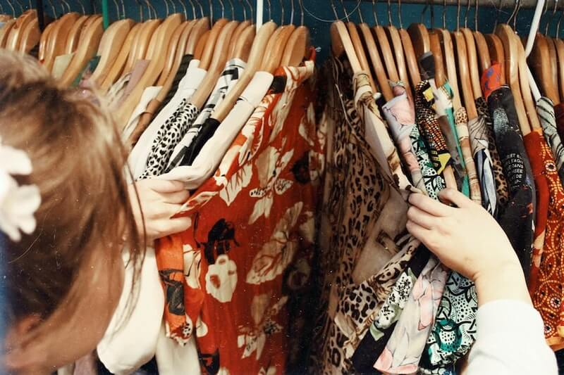 how-to-choose-clothes-in-secondhand